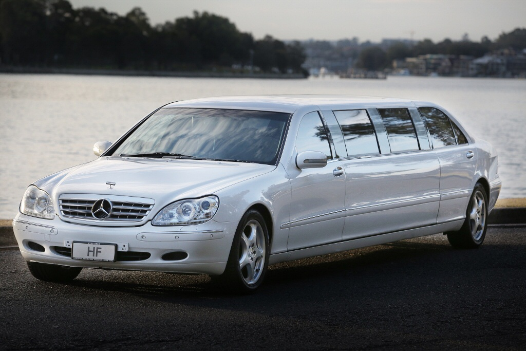 mercedes benz s class 220 series super stretch limousine sydney hf wedding carshf wedding cars. Black Bedroom Furniture Sets. Home Design Ideas