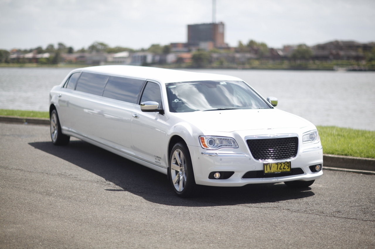 Wedding car hire by hf wedding and hire cars we do the best sydney image 2 left hand side junglespirit Image collections