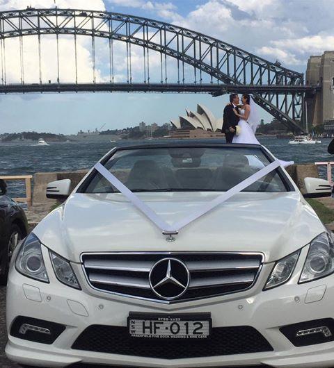 bridal-car-harbour-views